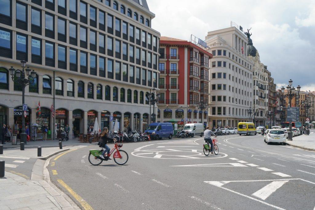 Bilbao subvencionará la compra de bicicletas eléctricas y el mantenimiento de las normales