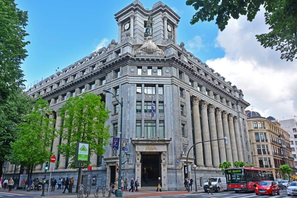 El edificio del BBVA de la Gran Vía está en venta, y es el más caro de todo Bilbao