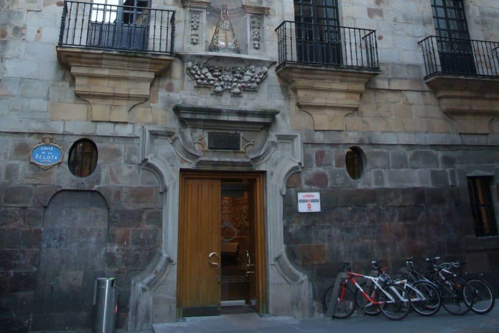 La Bolsa: el palacio del Casco Viejo que guarda una leyenda contrabandista