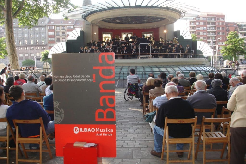 «MusikAuzo»: el programa que llenará los barrios de Bilbao de conciertos al aire libre