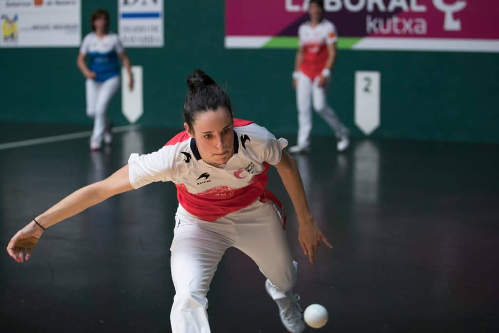 Ados Pilota: crean el primer club femenino de pelota profesional