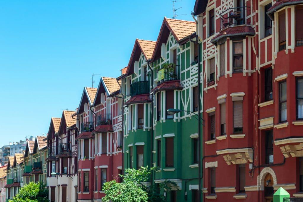 El Ayuntamiento ofrece rutas guiadas gratuitas por los barrios de Bilbao