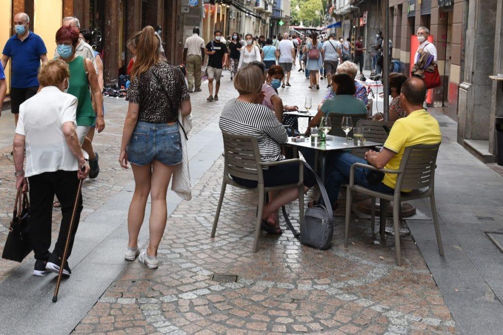 Adelantan a la 01:00 el cierre de todas las actividades económicas en Euskadi