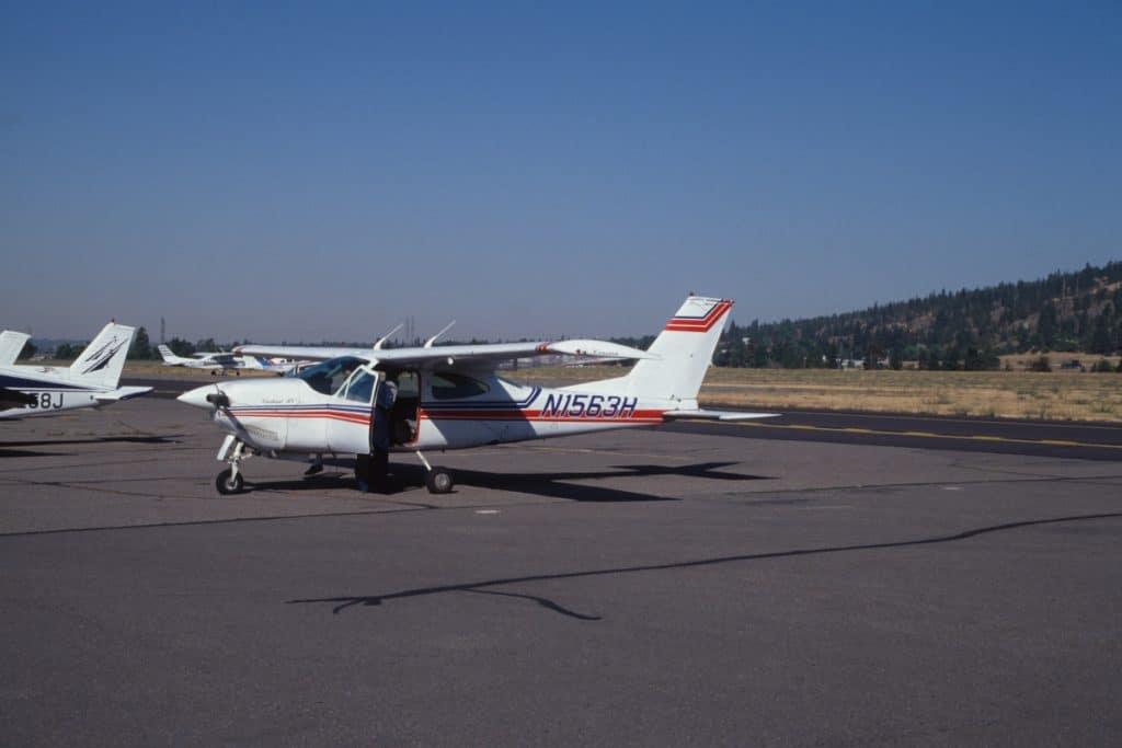 Hay una avioneta abandonada en Loiu y nadie la reclama