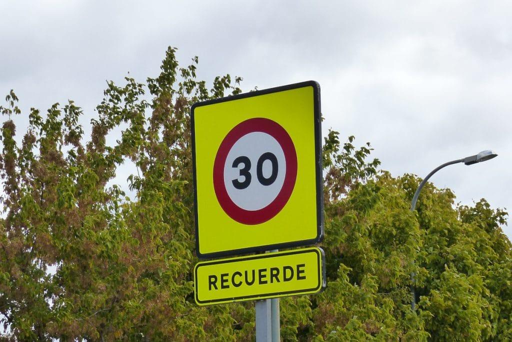 Bilbao instalará 29 radares pedagógicos para comprobar si se respeta el límite de 30km/h