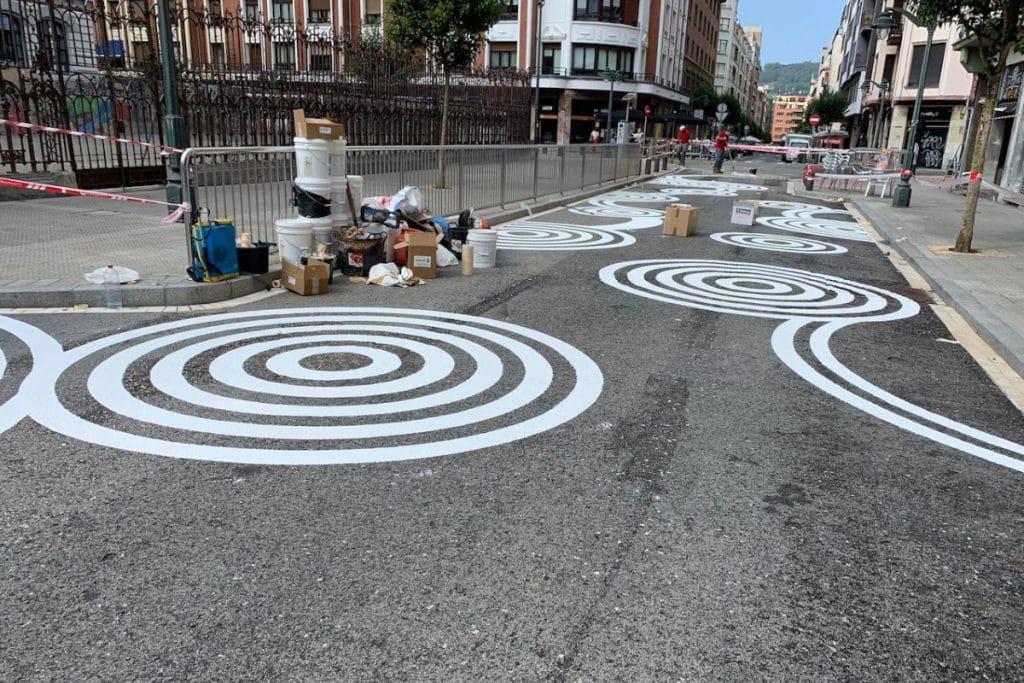 Bilbao elimina el tráfico en el entorno de tres colegios públicos