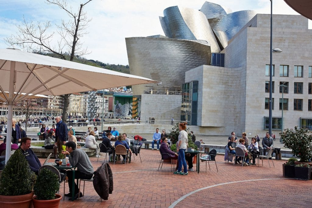 Bilbao mantendrá las terrazas que autorizó levantar o ampliar por la pandemia