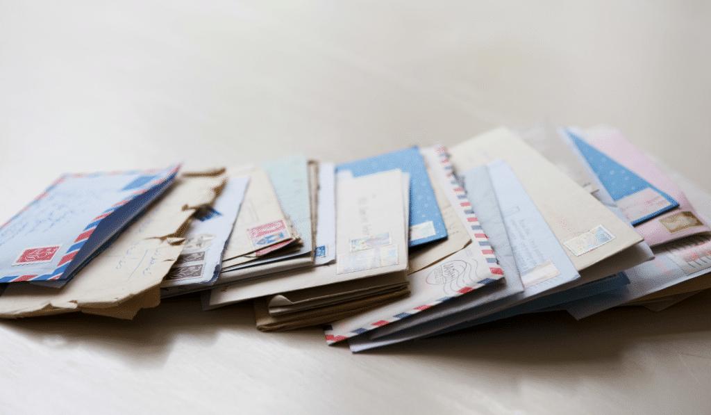Prix du timbre, APL, SMIC… Tout ce qui va changer dans votre quotidien dès le 1er janvier 2021 !