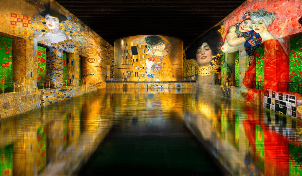 L'exposition immersive sur Gustav Klimt et Paul Klee sera prolongée aux Bassins de Lumières !