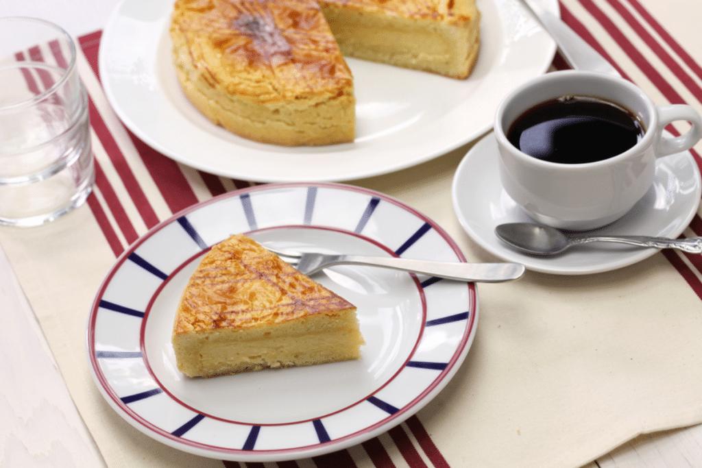 Recette : le gâteau basque à la fleur d'oranger par Philippe Etchebest !