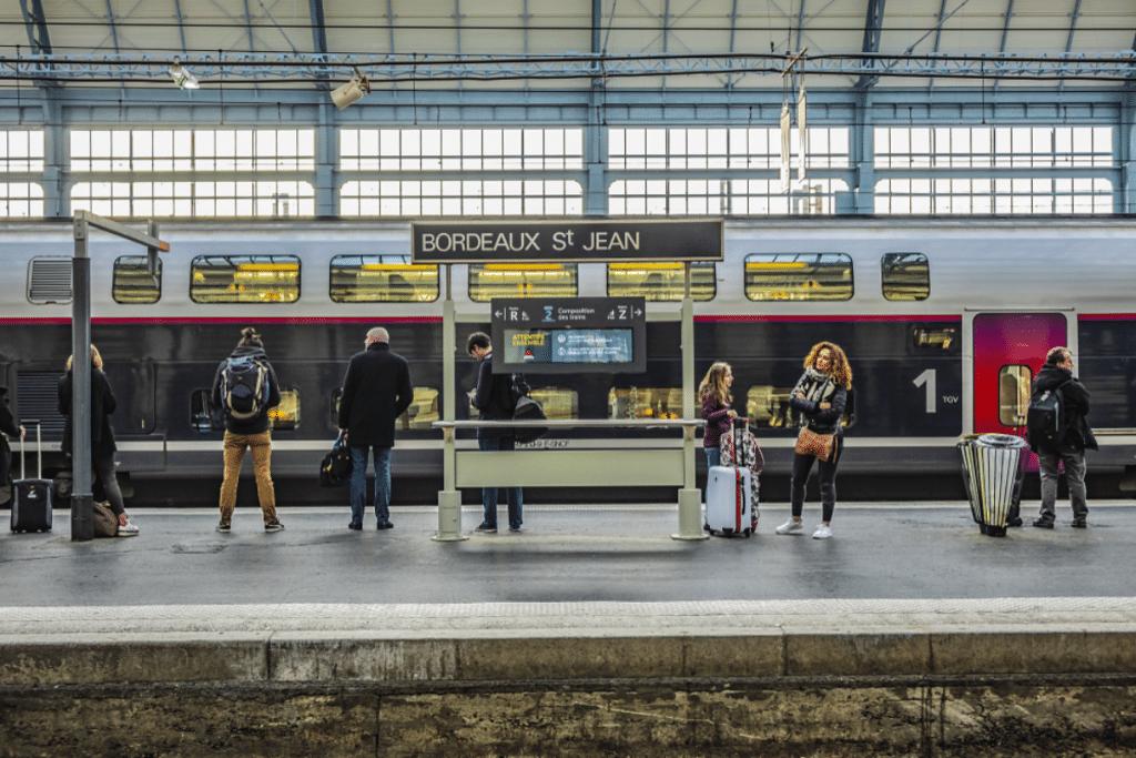 Les trains et les bus bientôt gratuits pour les étudiants en Nouvelle-Aquitaine !