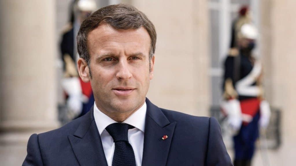 Déconfinement : Emmanuel Macron annonce des réouvertures et le recul du couvre-feu le 19 mai, la levée du couvre-feu et des mesures le 30 juin !