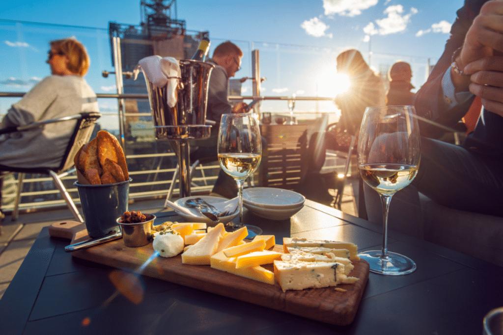 Cet été, l'Hippodrome de Bordeaux se réinvente en terrasse éphémère géante !