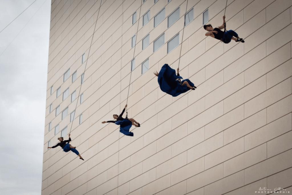 Ce vendredi, un ballet renversant investira les façades du Grand Parc !