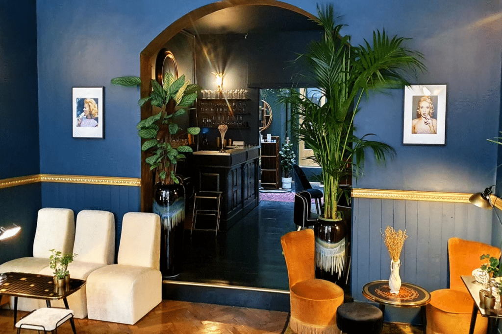 Maison Julien : le nouveau bar à vins hybride de Gambetta !