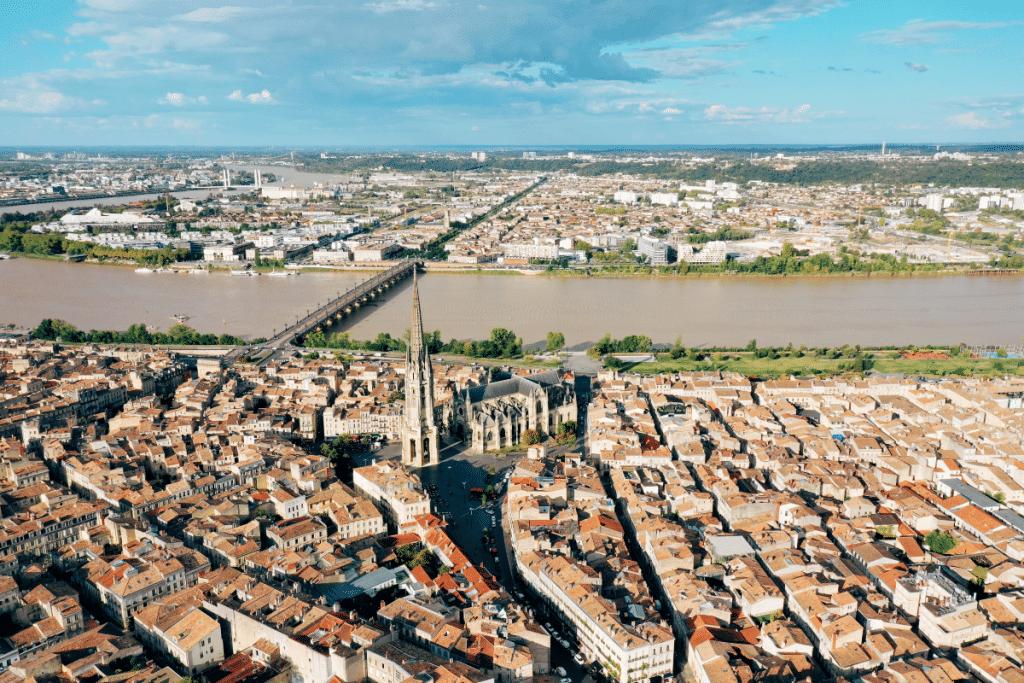 Combien coûte un appartement à votre adresse ? Une carte montre les prix de l'immobilier à Bordeaux !