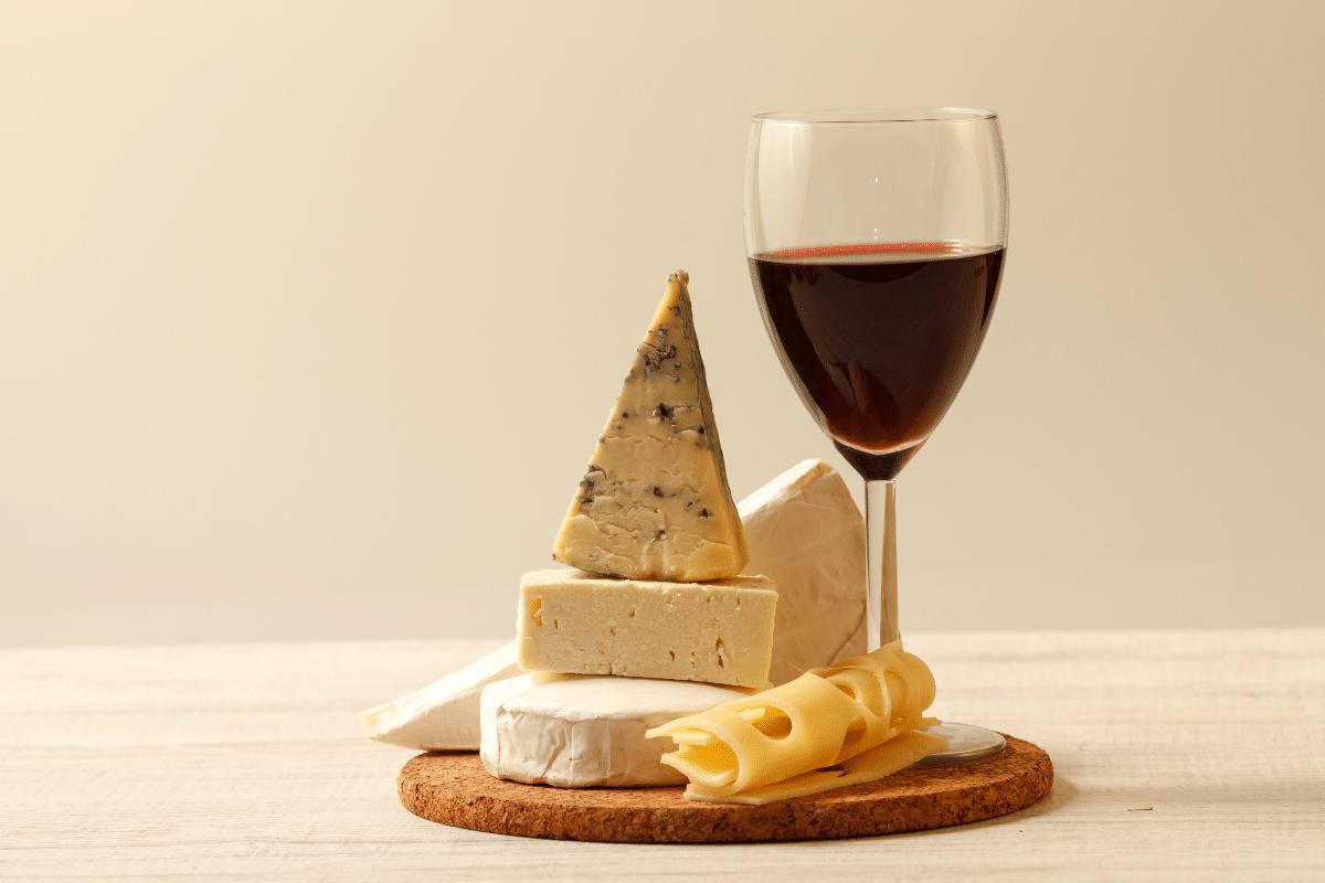 Activité atelier dégustation accord vins et fromages