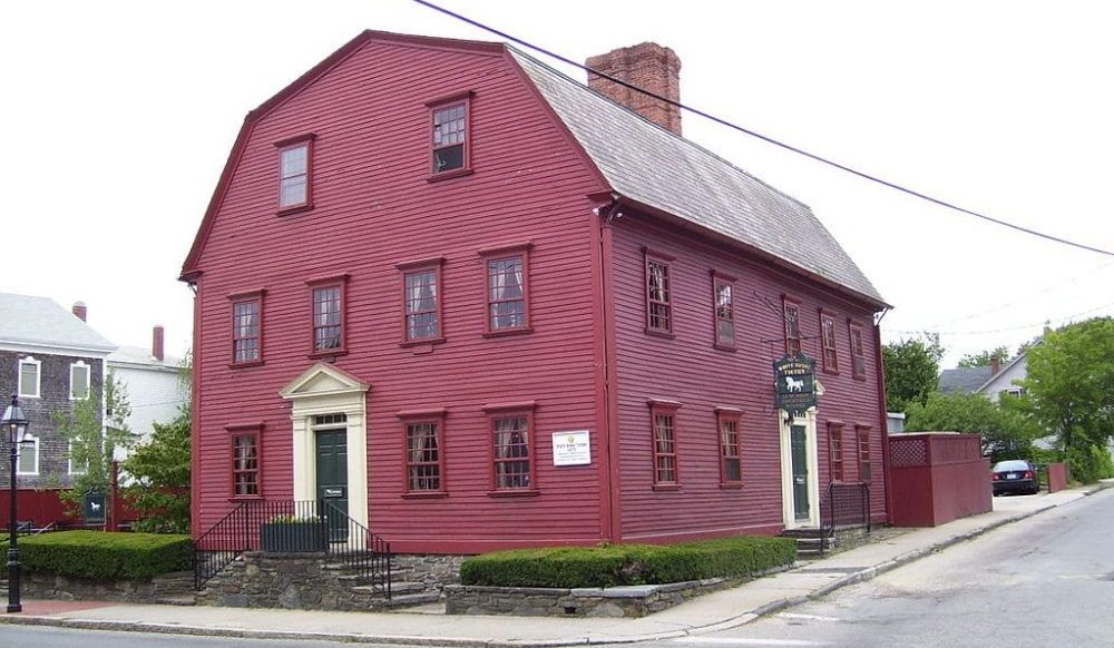 This Tavern Located Just An Hour Away From Boston Is The Country's Oldest Restaurant