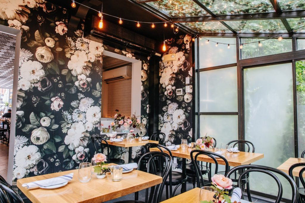 This South End Bistro Has The Cutest Green House Dining Area • Frenchie