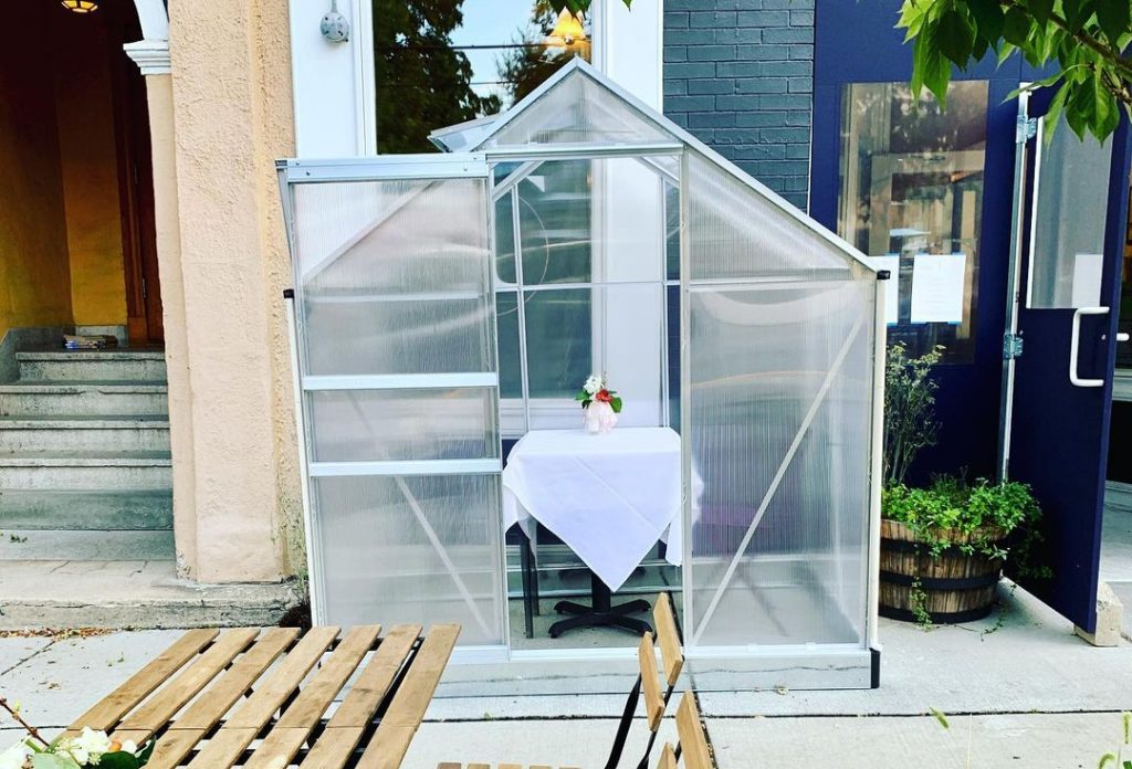 Brave The Cold & Dine Out In An Adorable Greenhouse At This Cambridge Restaurant