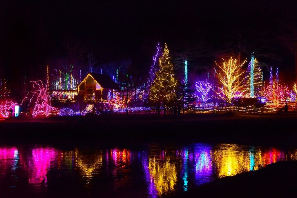 This Maine Holiday Light Show Is Among The Most Dazzling Ones In The World