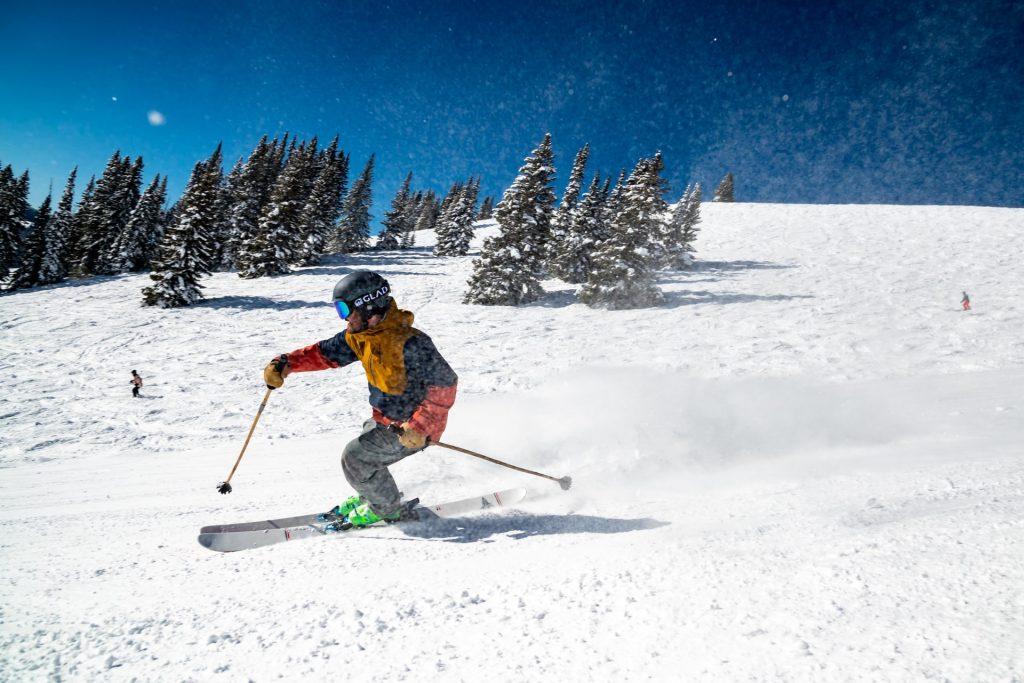 10 Best Skiing Spots Around Boston