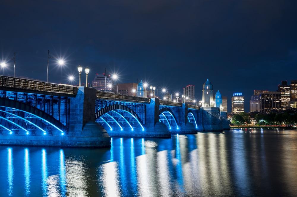 Boston Will Light Up For COVID-19 Memorial Tonight