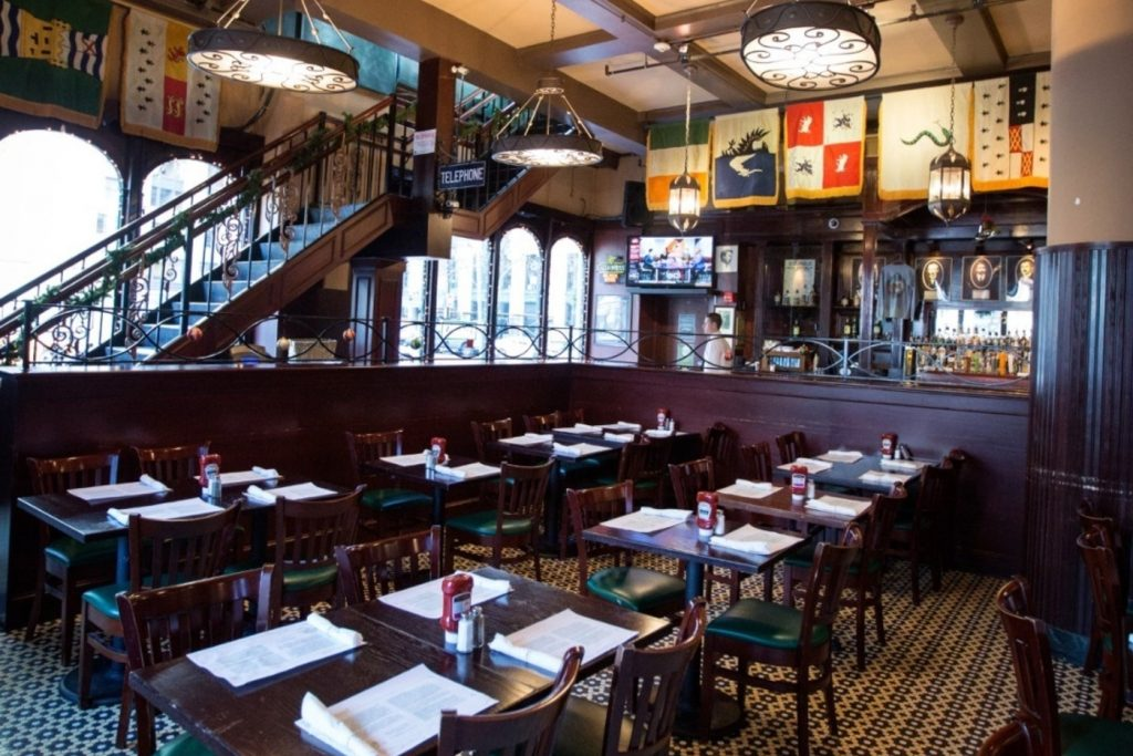7 Fantastic Irish Bars To Try Right Now In Boston