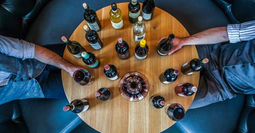 Découvre tous les secrets du vin dans ton salon avec cette dégustation virtuelle