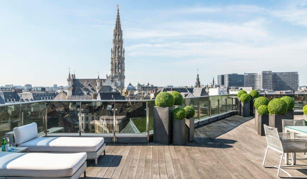 Le rooftop secret du Warwick Brussels avec vue sur la Grand-Place a rouvert !