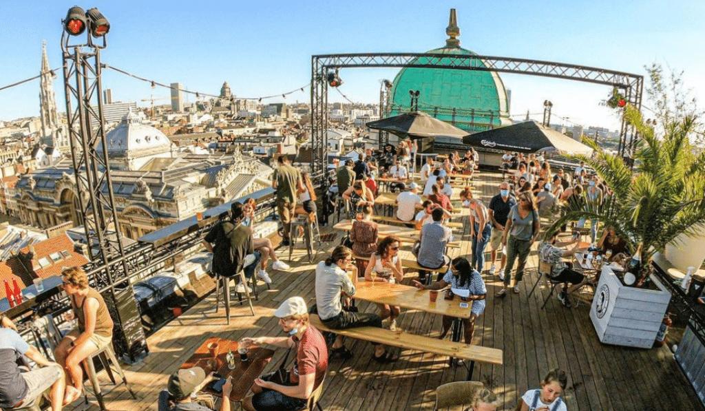 Des concerts à la bougie débarquent sur un magnifique rooftop de Bruxelles !