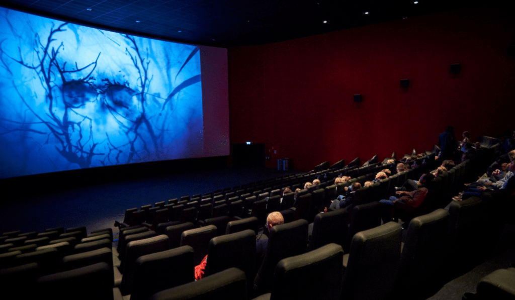 Le ciné fait son retour à Bruxelles… et on a trouvé la meilleure offre pour en profiter !