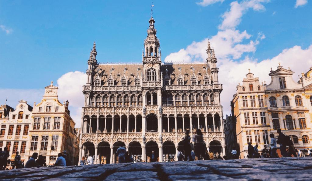 Deux visites virtuelles pour plonger au coeur des crimes et de l'Histoire de Bruxelles !