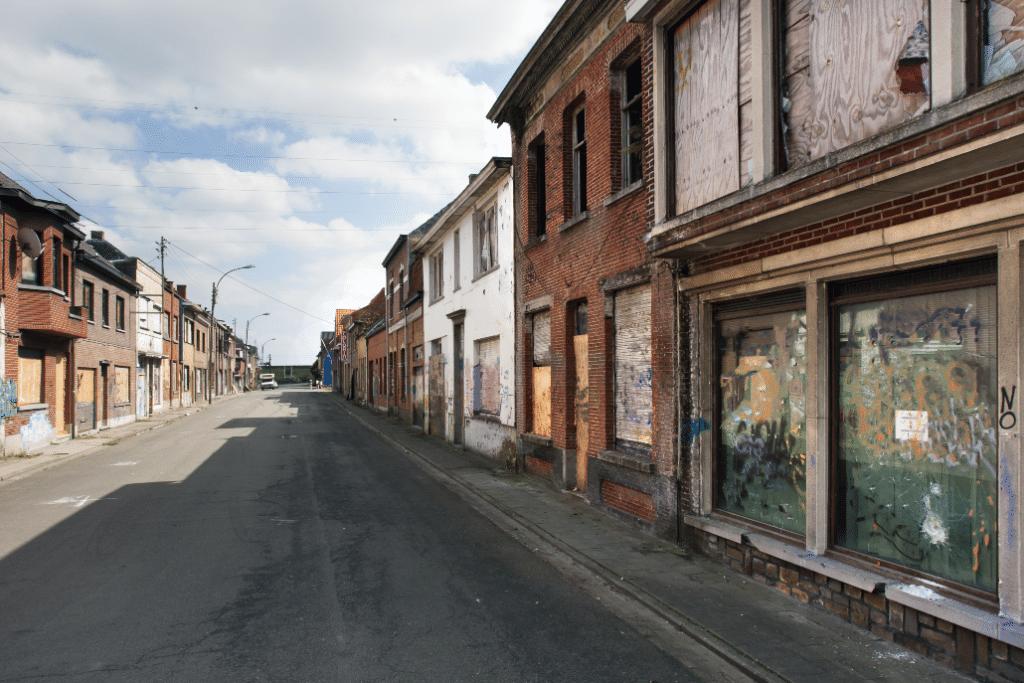 Insolite : ce village de Belgique demande aux touristes de «ne plus s'en approcher» !