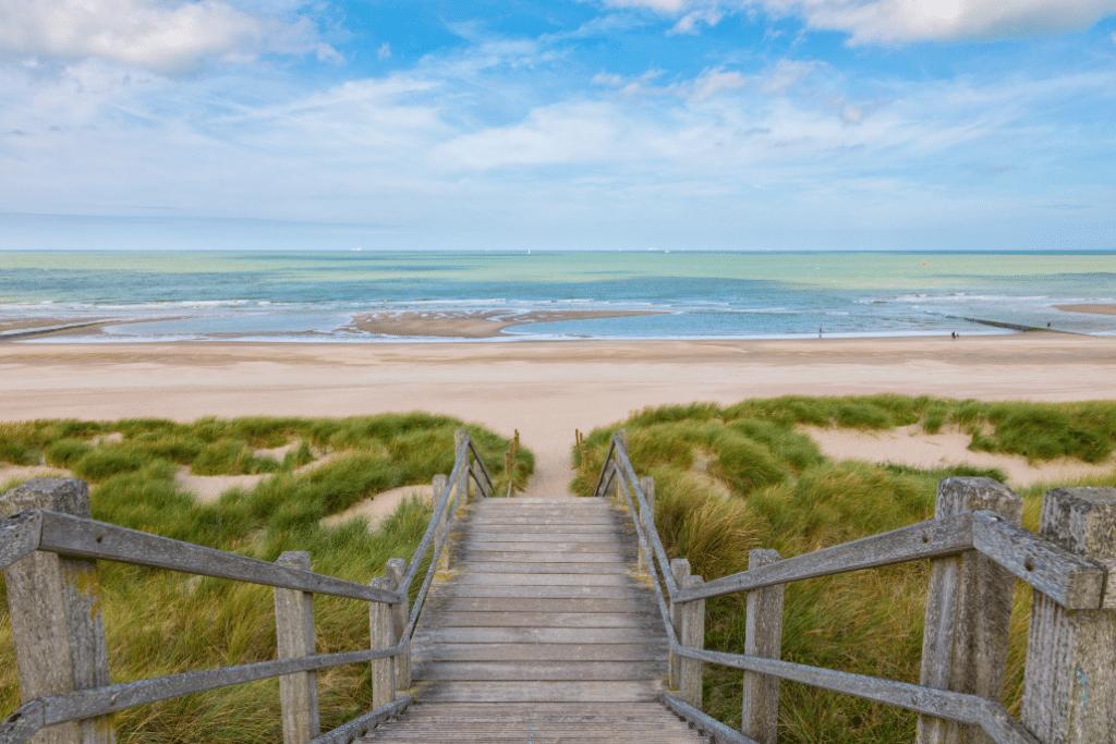 «Côte-Express» : la SNCB lance une offre spéciale de trains directs avec réservation vers les plages belges