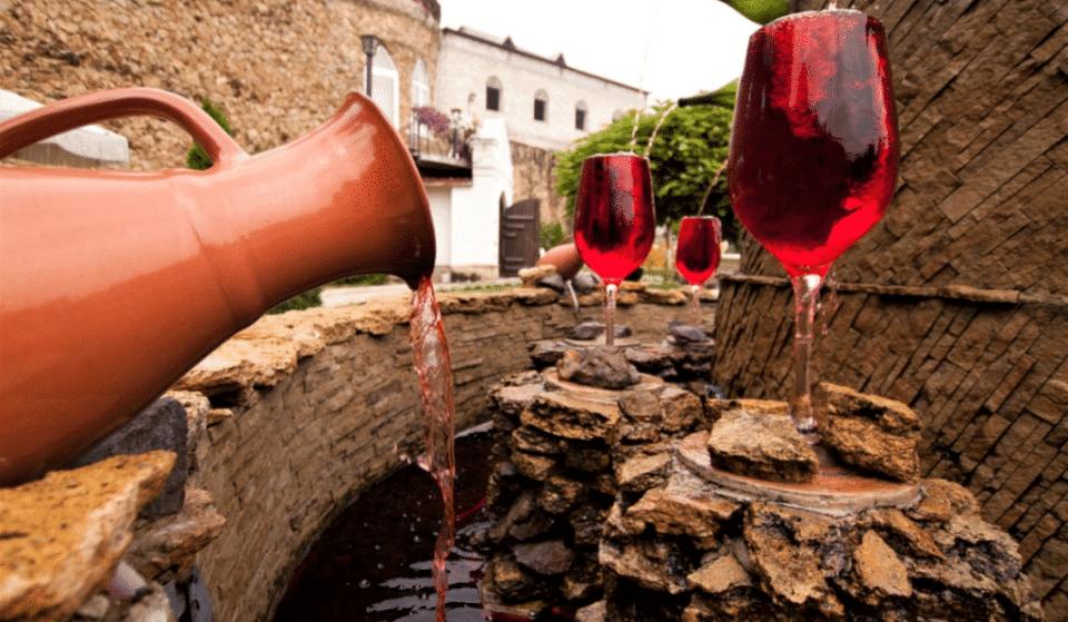 Insolite : une fontaine à vin gratuite et illimitée dans une petite ville d'Italie !