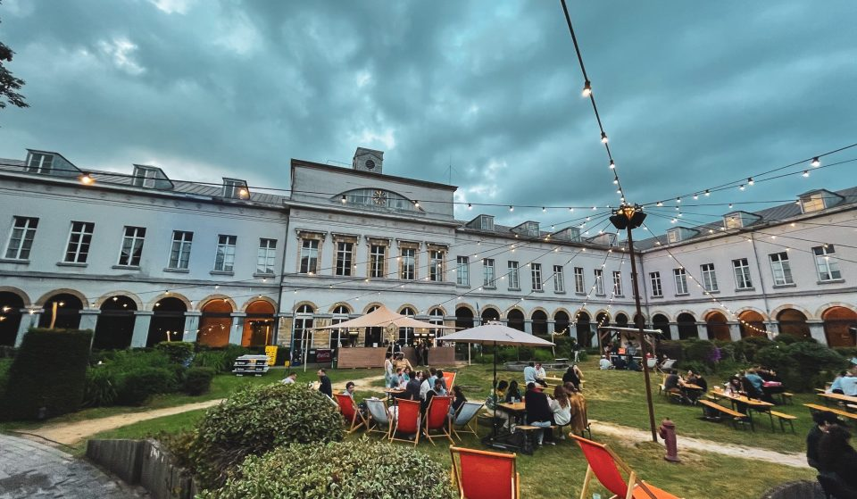 Une guinguette géante ouvre dans les jardins de l'Institut Pachéco à Bruxelles !