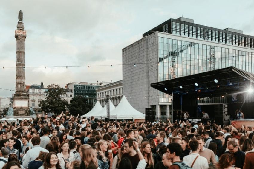 Une série de concerts gratuits en plein air sur l'esplanade de la Cité Administrative à Bruxelles !