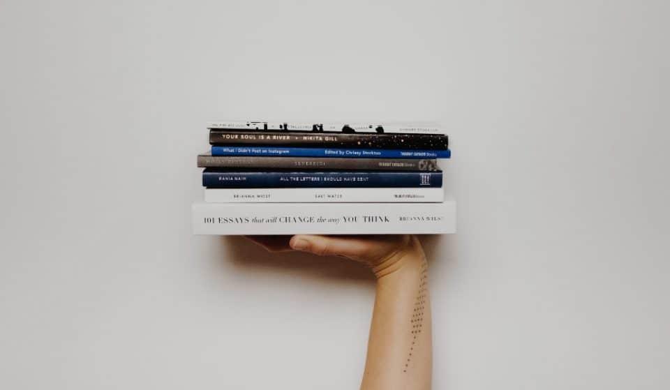 En el remate del Fondo de Cultura Económica encontrarás libros desde 49 pesos
