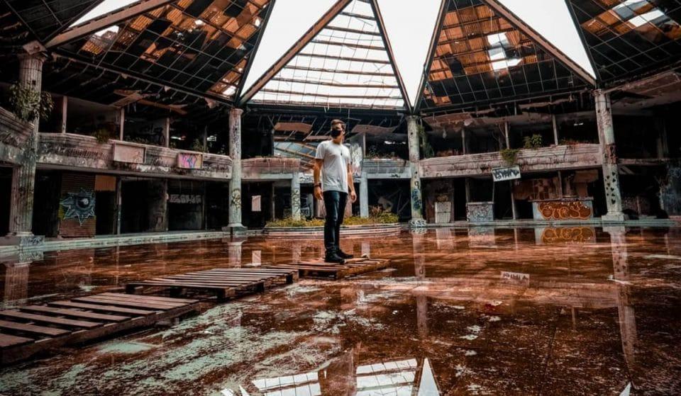 La historia detrás de Acrópolis, el centro comercial olvidado en Lomas Verdes