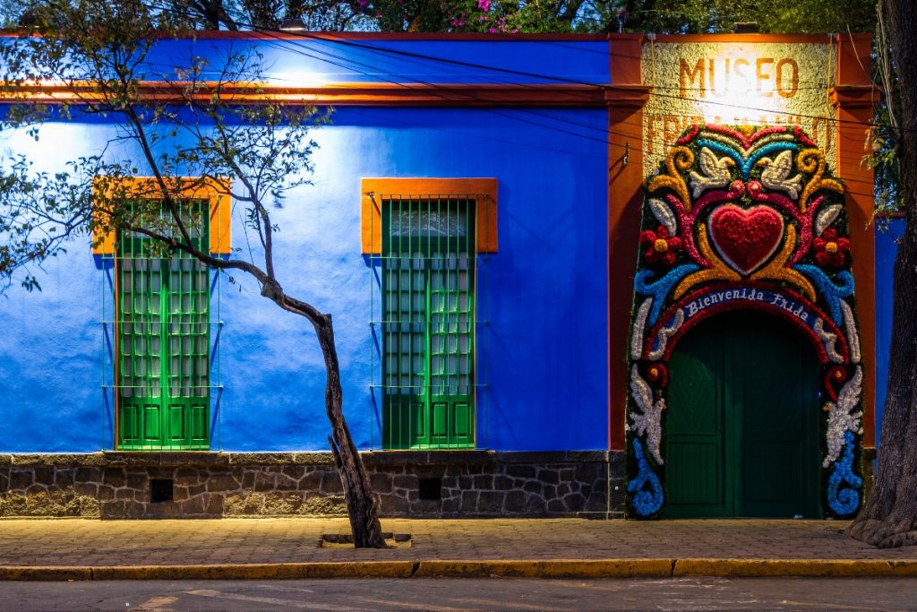 Cinco formas de descubrir la CDMX a través de Frida Kahlo