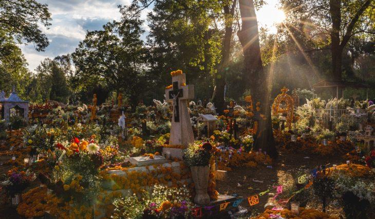 Cinco lugares cercanos a la CDMX para vivir la magia de Día de Muertos