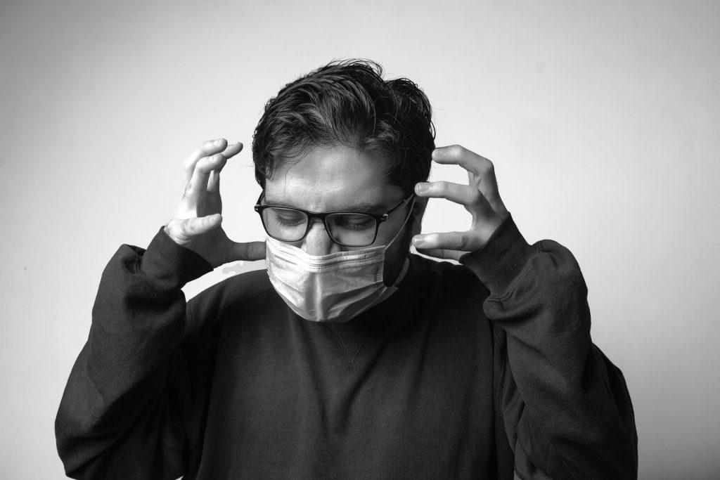 Masques : Comment éviter la buée sur vos lunettes ?