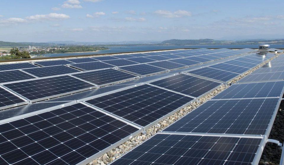 Une ferme solaire installée à Genève sur les toits des Ports Francs !