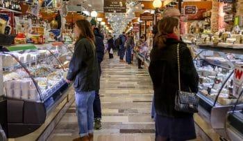 Genève crée des bons d'achats pour soutenir le commerce local !