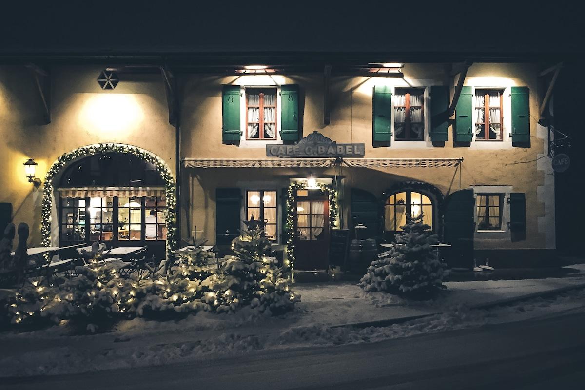 cafe g babel genève restaurant montagne hiver