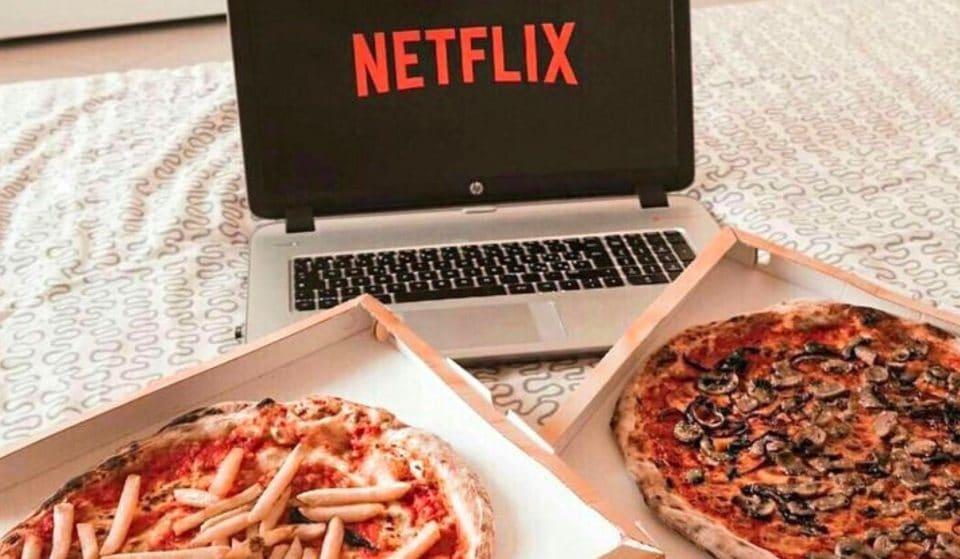 Alerte Job de rêve : être payés 400€ pour mater des séries Netflix et manger des pizzas !