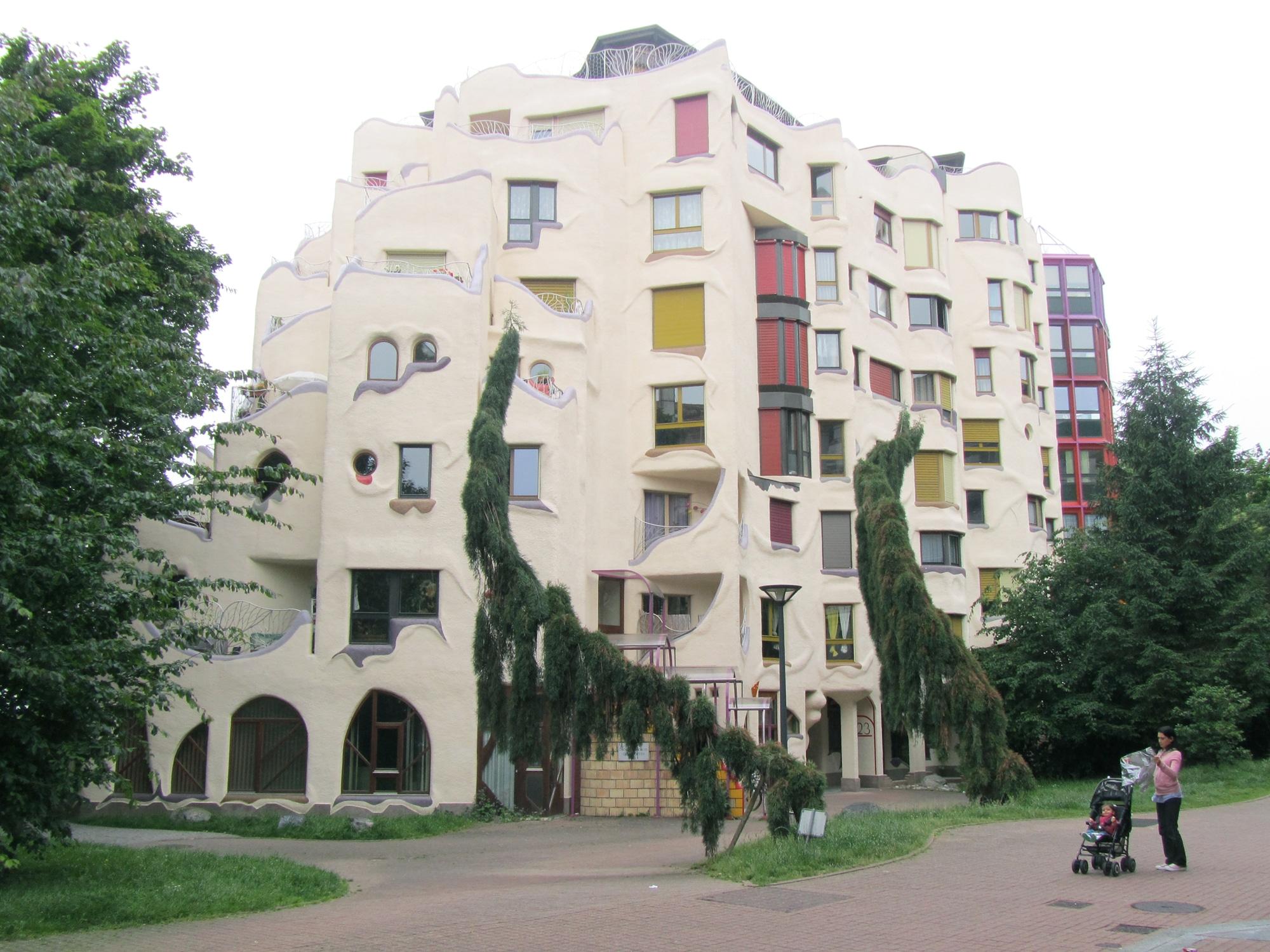 les grottes - quartier - geneve - visite - schtroumpfs - ville - insolite - urbanisme