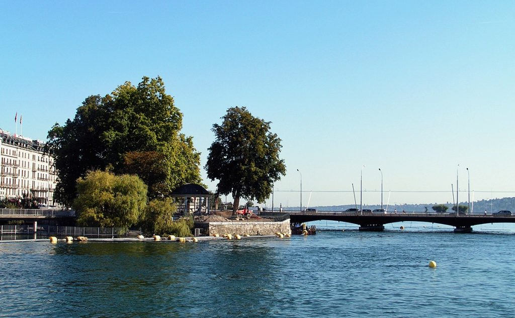 île rousseau - rousseau - philosophe - genève - centre de genève - lac - rhône - promenade