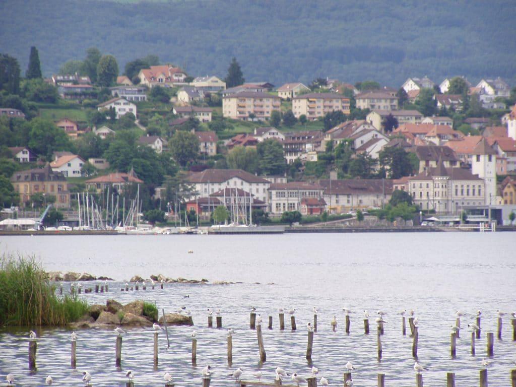 Lac_de_Neuchâtel - suisse - lac - village - romainmotier - chevroux - cheyres - grandson - balade - visite - promenade - ancien - histoire - plage